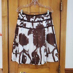 GAP White & Brown Print Full Pleated Skirt Size 6